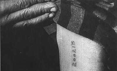No al tatuaje biopolítico - Giorgio Agamben