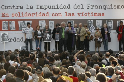 Investigar los crímenes del franquismo no es delito